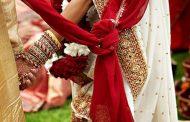विदेशी युगल ने हिंदू रीति-रिवाज से रचाई शादी