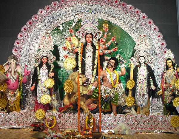 नवरात्रि में करें इन मंत्रो का जाप,मिलेगा माँ दुर्गा से धन और शक्ति का आशीर्वाद