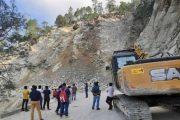 मांझी से कम नहीं ये ग्रामीण, गांव तक पहुंचाई सड़क फिर ढोल पर जमकर झूमे, तस्वीरें.:Uttarakhand