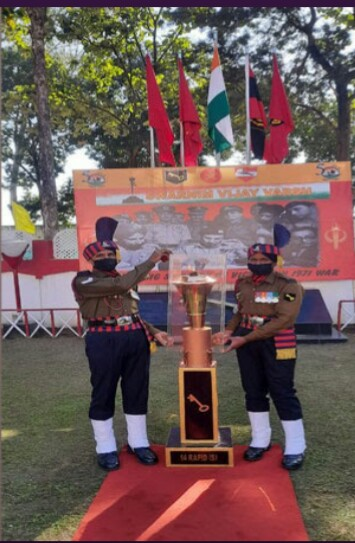 देहरादून: 1971 के भारत पाक युद्ध की विजय प्रतीक स्वर्णिम विजय मशाल पहुंची क्लेमेंट टाउन