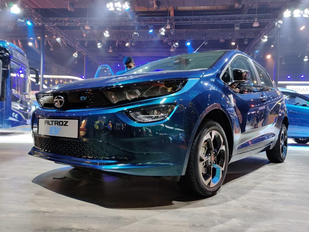 टाटा लेकर आ रही है 5 नई गाड़ियां,जानें लांचिंग पर क्या है रिपोर्ट...
