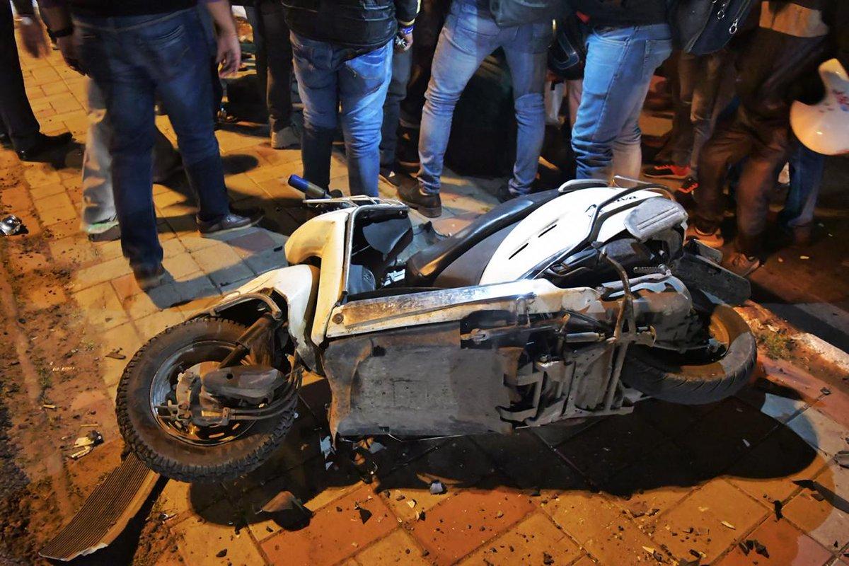 स्कूटी सवार छात्राओं को तेज रफ्तार कार ने कुचला...