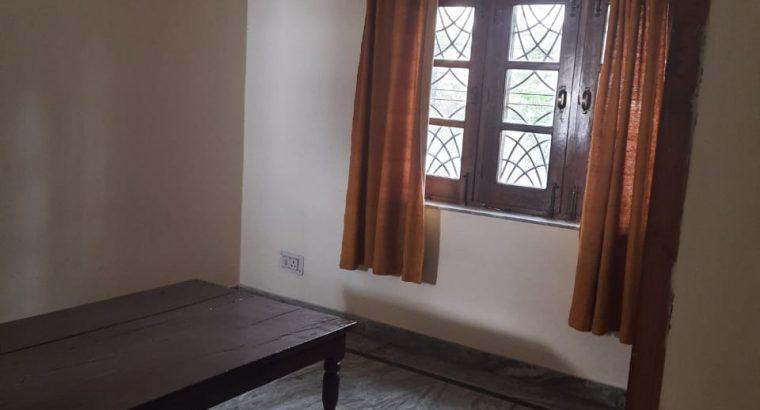 1 BHK Raj Pur Road for rent